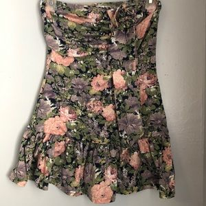 Tops - Strapless floral blouse